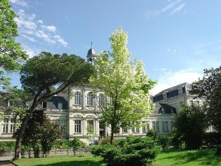 Tìm hiểu chương trình học tiếng và chuyên ngành tại đại học UCO, Pháp