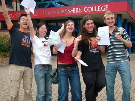 Du học UK: trường Pembrokeshire College: cho bạn cơ hội học A level tốt!