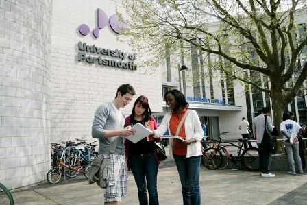 Tìm hiểu 10 lí do chọn Đại học Portsmouth - Anh Quốc cùng đại diện trường