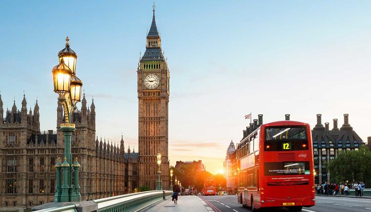 Du học Anh: Cập nhật thông tin chương trình học của tập đoàn giáo dục INTO Anh Quốc