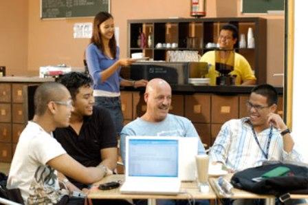 Du học Malaysia: Học ở đâu và học cái gì?