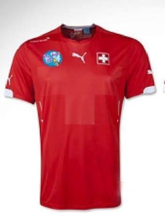 Cầu Xanh tài trợ đội bóng đá của Hội du học sinh Thụy Sĩ