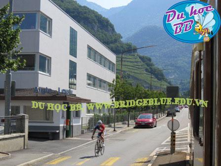 Du học Thụy Si: Mời bạn thăm trường SHMS, khu học xá Leysin