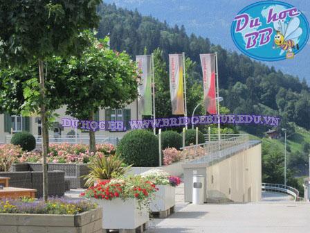 DU HỌC THỤY SĨ: Trường Du lịch và Khách sạn Swiss School, SSTH, thuộc hàng lâu đời nhất trong số các trường khách sạn Thụy Sĩ.