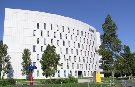 Deakin_University_Burwood_Campus.jpg