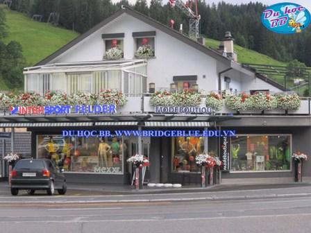 Du học Thụy SĨ, đường phố xung quanh trường htmi .jpg