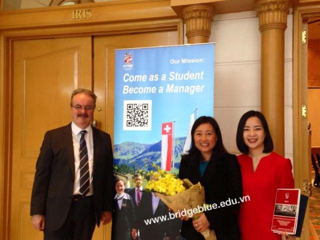 Cầu Xanh tự hào được tổng giám đốc trường HTMi trao tặng danh hiệu tư vấn giỏi