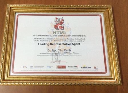 """Cầu Xanh - Du học BB tự hào được trường HTMi trao danh hiệu """"Leading Representative Agent"""""""
