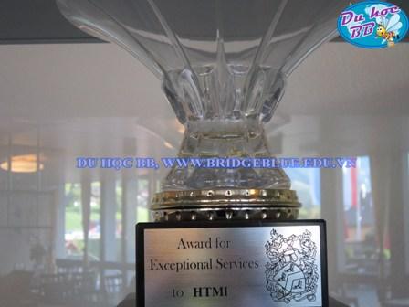 thành tích trường HTMi.jpg